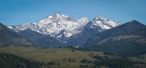 Mount Gardner looming above Sun Mountain Lodge
