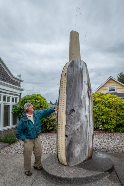The world's biggest carved razor clam is in Long Beach.